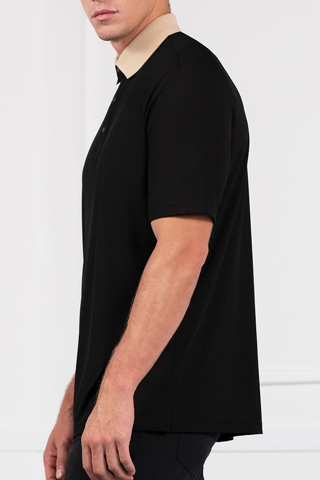 Textured Contrast Collar Polo Image 2